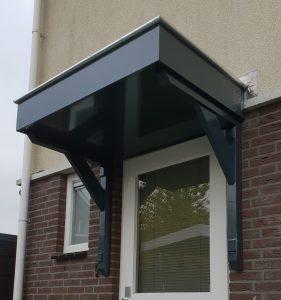 Deurluifel - Luifel deur - Maatwerk deurluifel - Luxe deurluifel - Handgemaakte deurluifel -Maatwerk Voordeurluifel -