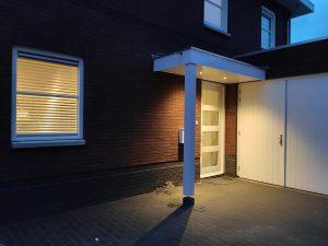Maatwerk luifel - op maat laten maken - Luifel met verlichting - Deurluifel met verlichting - Overkapping voordeur - Handgemaakt