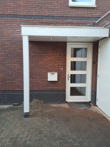 Houten luifel voordeur - Luifel met verlichting - Overkapping voordeur - Handgemaakt